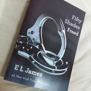 [RESERVED] E.L. James - Fifty Shades Trilogy Book 3 - Fifty Shades Freed