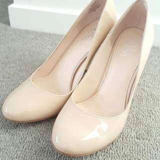Wittner Patent Nude Size 37