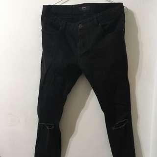 韓版黑色破褲