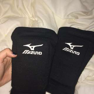 Volleyball pads!!