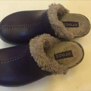 Crocs全新超暖毛毛拖