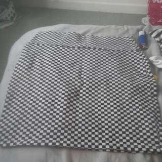 Checkered High Wasited Skirt
