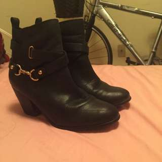 Aldo Ankle Length Black Colored Boot