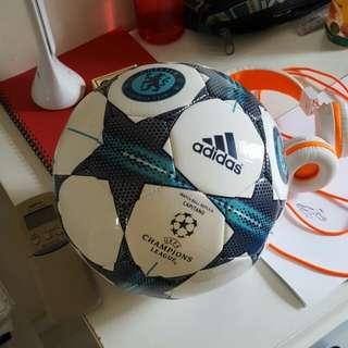 ADIDAS UEFA CHAMPIONS LEAGUE BALL - CHELSEA