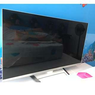 "LG 47"" LED 3D Smart TV"