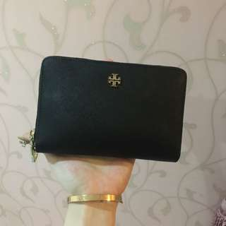 Tory B Wallet Authentic