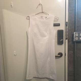 Uniqlo合身白小洋裝shift dress