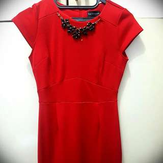 RED DRESS - THE EXECUTIVE