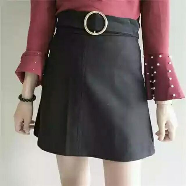 冬天毛料高腰黑裙子