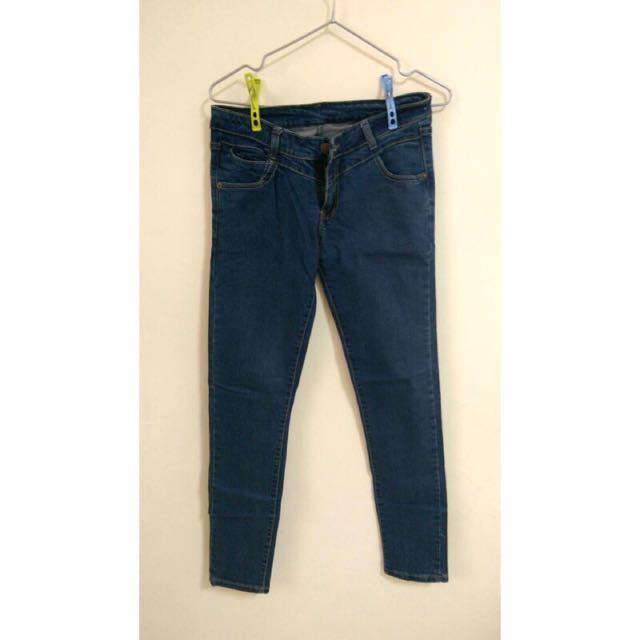 深藍直筒牛仔褲