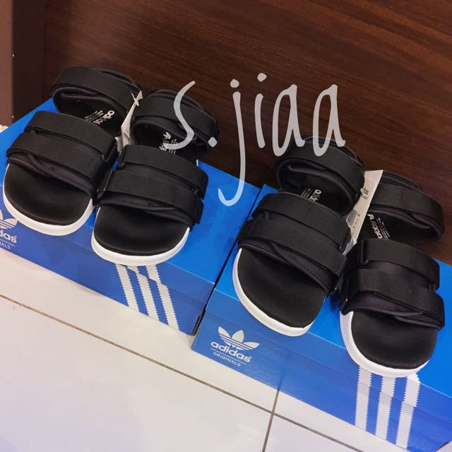 Adidas今年出的Adilette涼鞋🎉