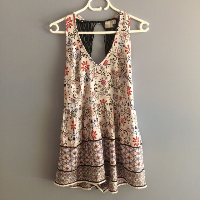 Asos Play suit Sz 6