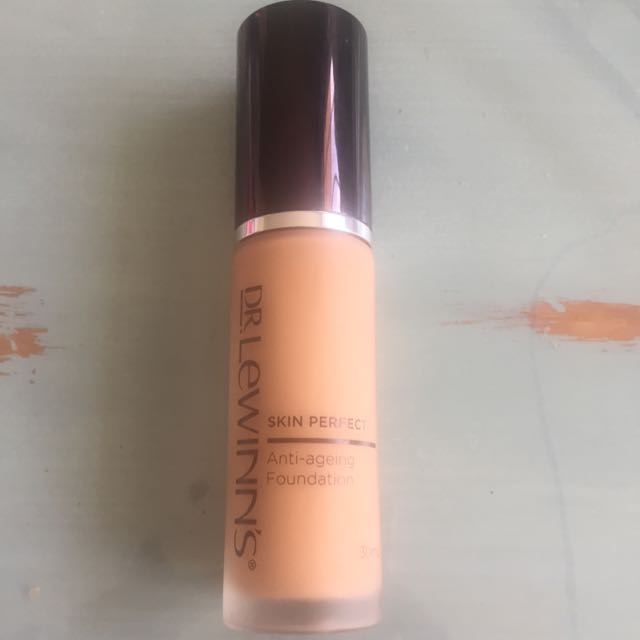 Dr. Lewins skin perfect Anti Ageing foundation in the colour Sable