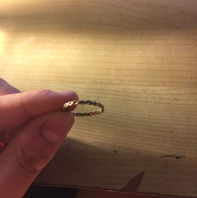 Gold Twisted Ring Size 54