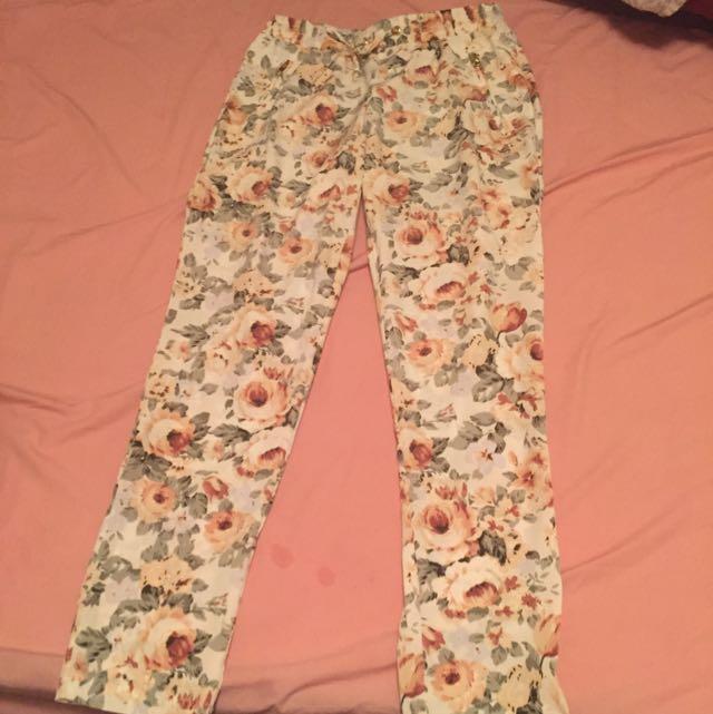 Guess Floral Pant. Size Xs/TP