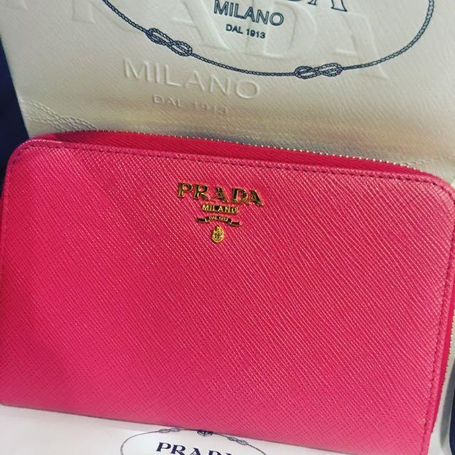 a2d9b3e1c793 Preloved Prada Medium Wallet