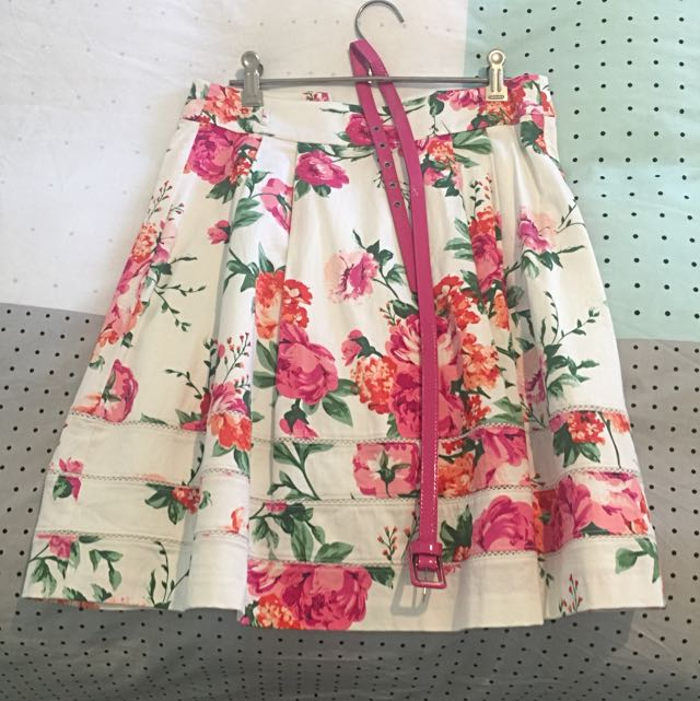 Review Floral Skirt - Size 8