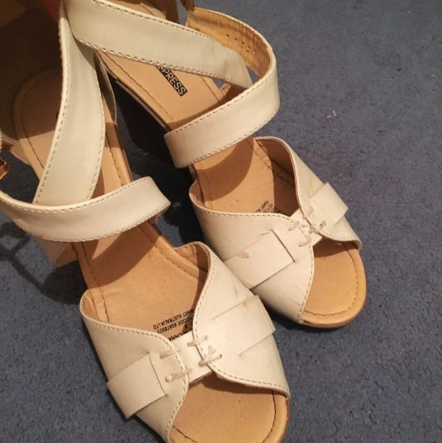 Size 9 Wedges