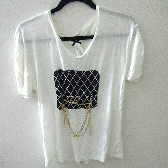 White fashion t shirt