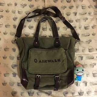 Air Walk 肩背包
