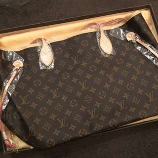 On SALE - LV Neverfull Monogram