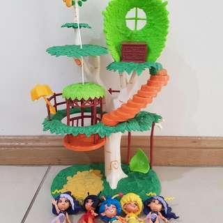 Fairy Tree House With Fairies