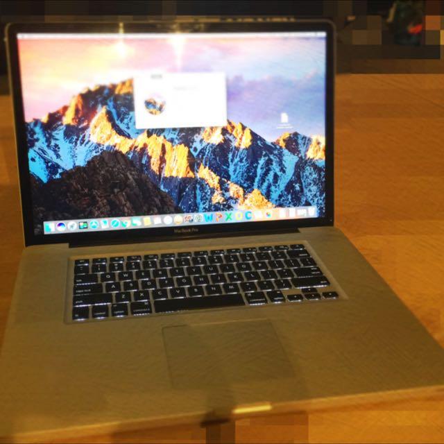 2011 MacBook Pro 17''