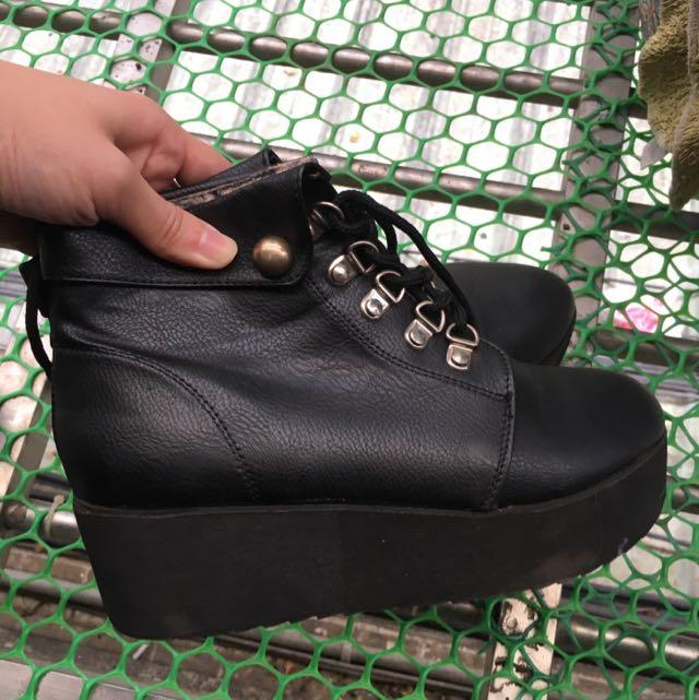 二手 黑色厚底 高筒靴鞋 鬆糕鞋 很輕 不笨重 出清
