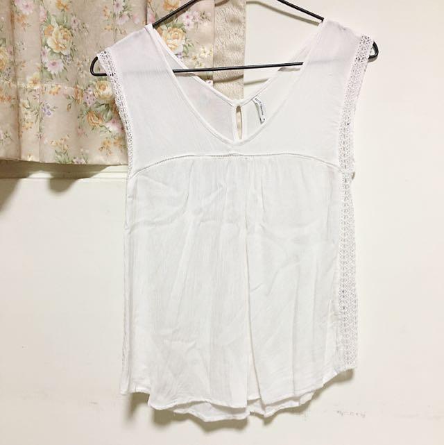 Bershka 白色蕾紋背心