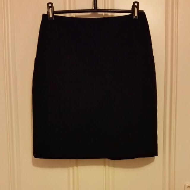 Black Pencil Skirt H&M Size 8