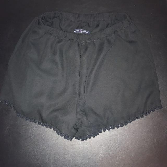 Brandy Melville • Chiffon Shorts