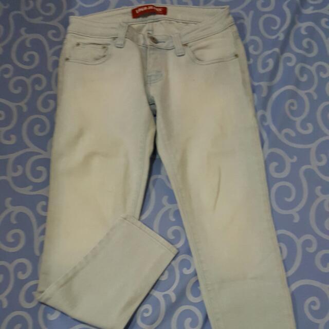 Celana Panjang Logo Jeans