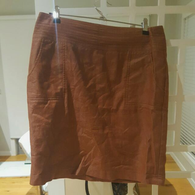 Gorgeous Sportsgirl rust zip up skirt with pockets!