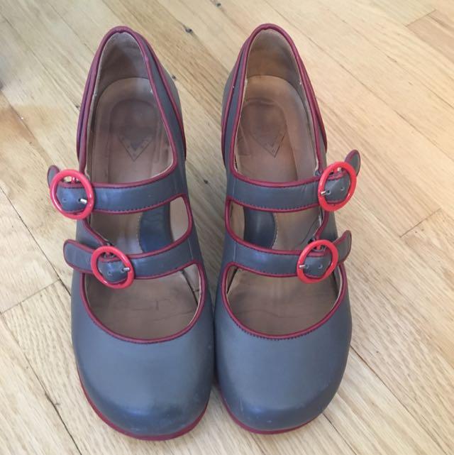 "John Fluevog ""Liz"" Shoe Size 6"