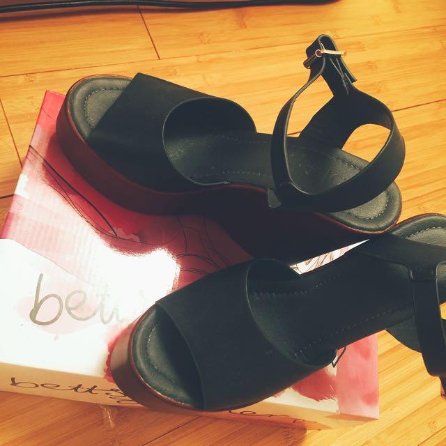 Rubbi High Heels