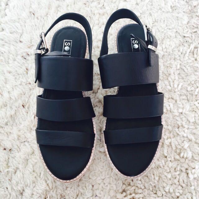 Solsana Sandals Size 37