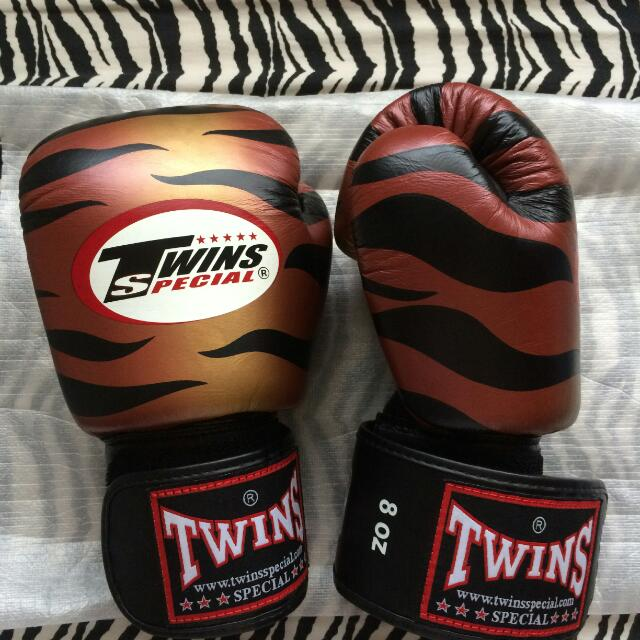 TWINS Boxing/Muay Thai Gloves