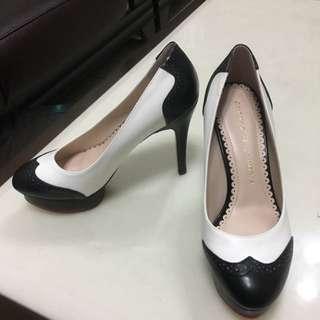 全新黑白拼接防水台跟鞋
