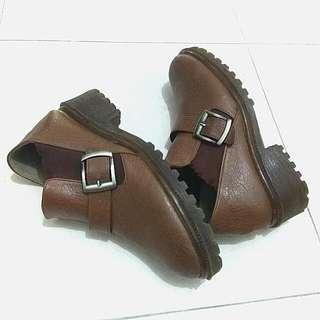 SALE! Vintage Woman Boots