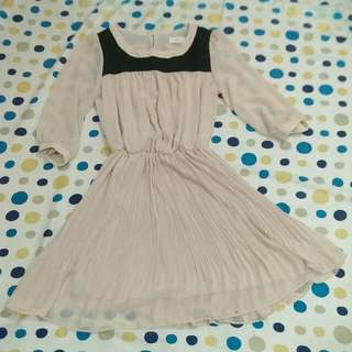 韓貨店購入 粉膚色顯瘦洋裝