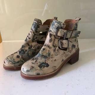 英國復古提花短靴37號
