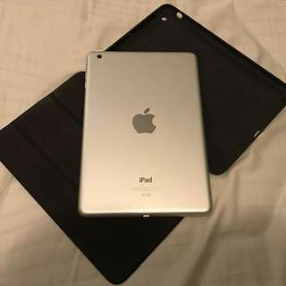 iPad Mini 32GB + Bluetooth Keyboard