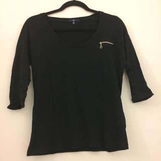XS Gap Zipper Tee