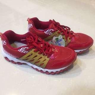 皮爾卡登運動鞋
