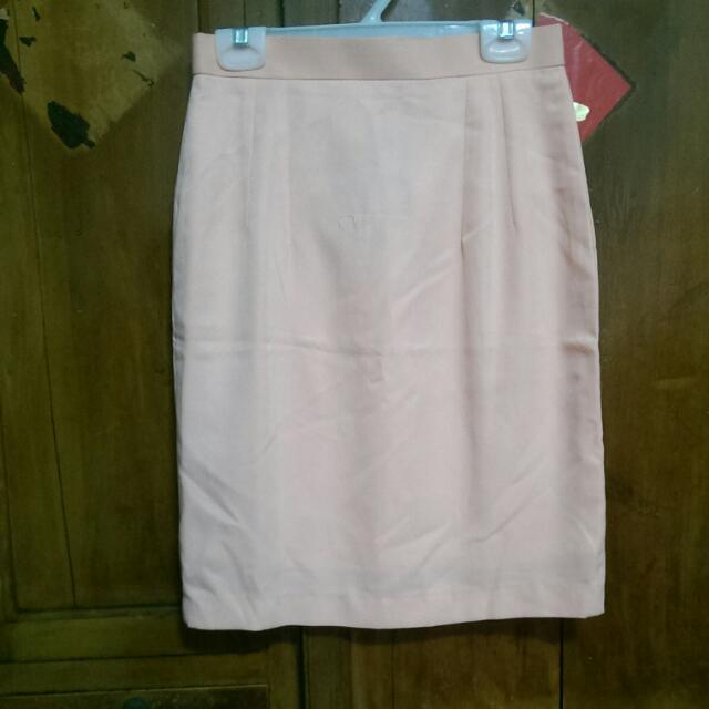 粉色及膝裙