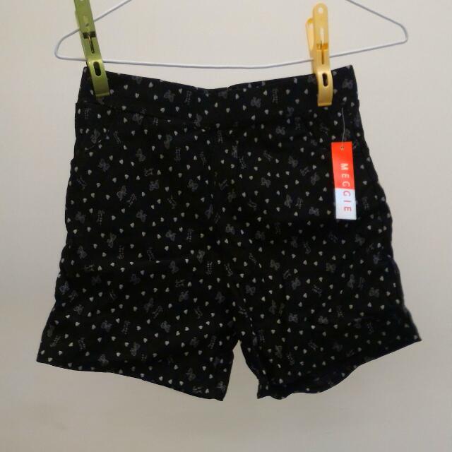 蝴蝶結黑色短褲