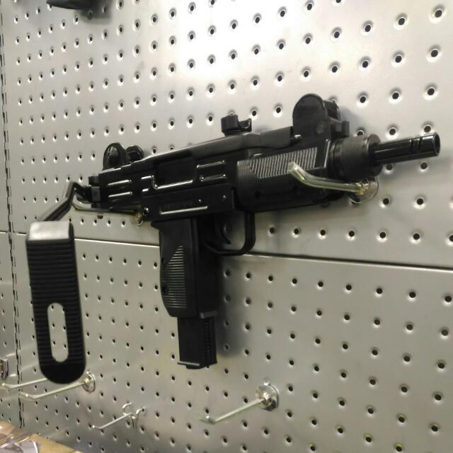 烏茲 衝鋒槍