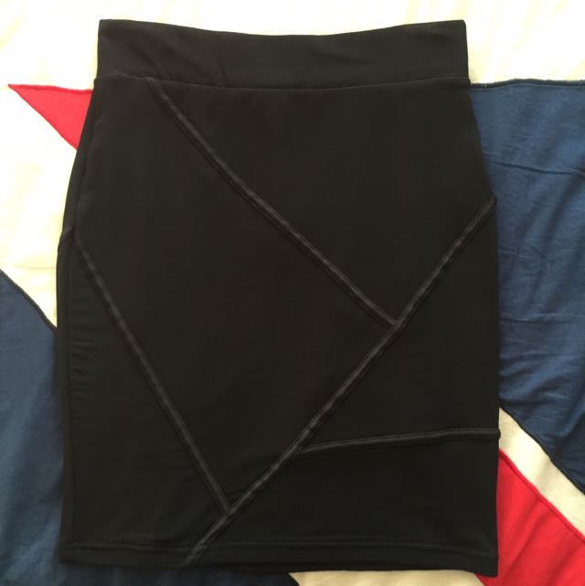 Black Body Con Skirt - Size Small