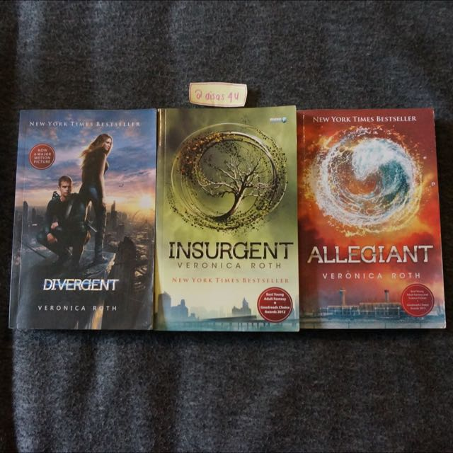 Divergent Trilogy - Veronica Roth // Bahasa Indonesia