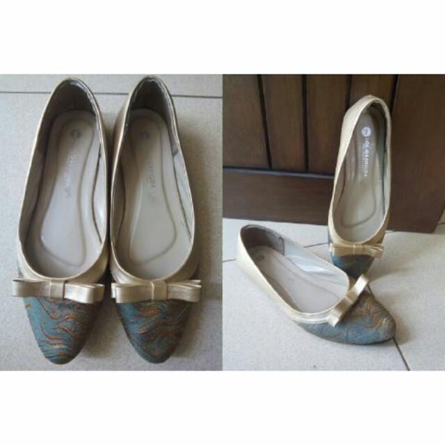 Sepatu Flat Lollo&Brigida